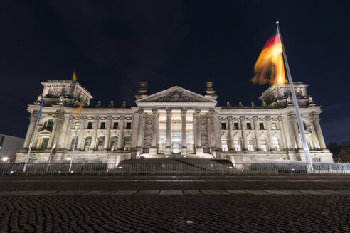 Germany, Berlin, Reichstag at night - SJF00187