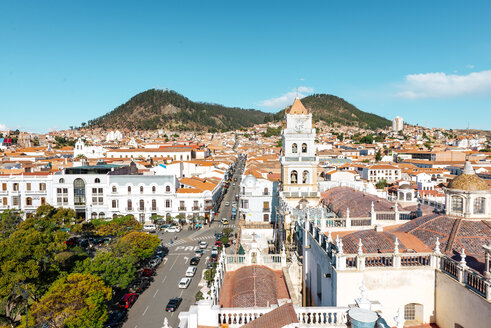 Bolivia, Sucre, City scape with cathedral - GEMF01162