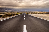 Spain, Tenerife, empty country road - SIPF00939