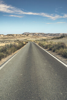Spain, Logrono, empty road - DEGF00938