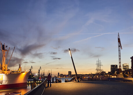 Germany, Hamburg, Landing Stages at evening twilight - WH00023