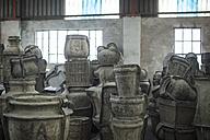 Molds in industrial pot factory - ZEF11376