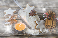 Cinnamon stars, tea light, flour and spices - ODF01458