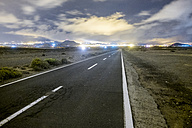 Spain, Tenerife, empty road at night - SIPF01094