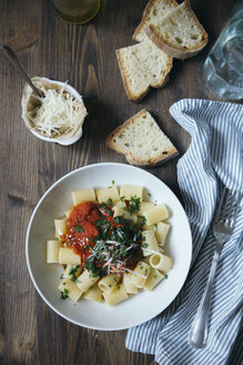 Pasta with tomato sauce - DAIF00009