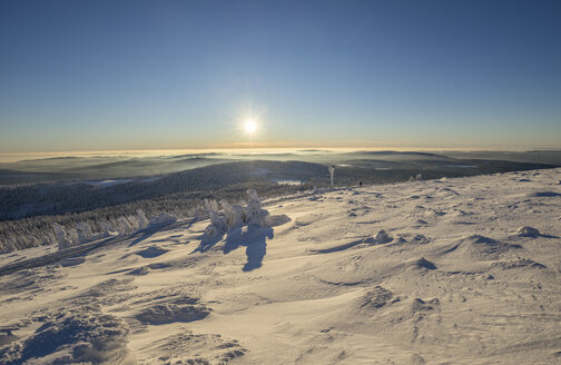 Germany, Saxony-Anhalt, view from Brocken Mountain to Harz National Park in winter - PVCF00938
