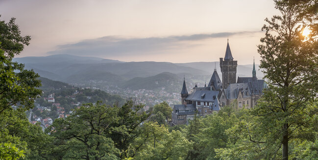 Germany, Wernigerode, view to castle and town in the evening - PVC00946