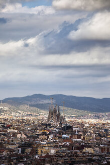 Spain, Barcelona, cityscape from Palau Nacional to Sagrada Familia - ABOF00112