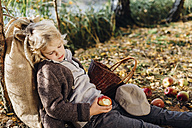 Hansel and Gretel, Boy in forest leaning against tree, sleeping - MJF02099
