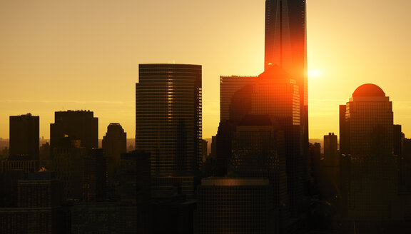USA, New York City, skyline at sunrise - BCDF00241