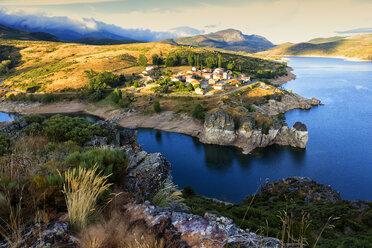 Spain, village Alba de los Cardanos and Camporedondo Reservoir - DSGF01222