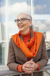 Portrait of fashionable mature woman - JUNF00753