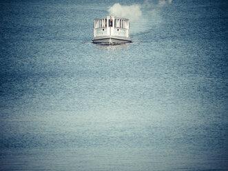 Driving steam boat - KRPF02071
