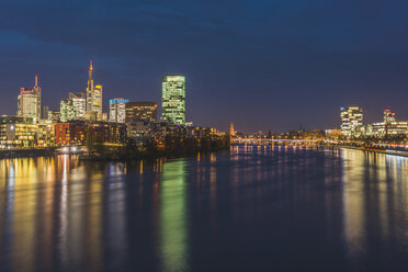 Germany, Frankfurt, view to Westhafen and skyline - KEBF00437