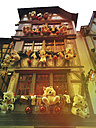 France, Alsace, Strasbourg, Christmas market, decorated house - GW04924