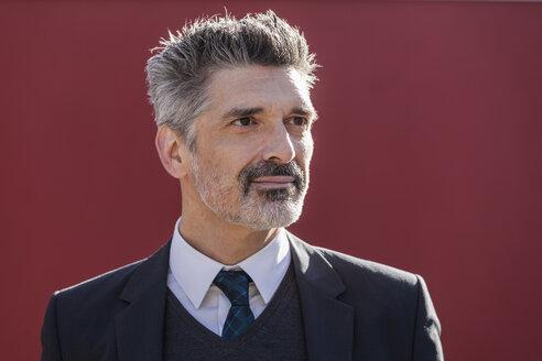Portrait of confident businessman outdoors - TCF05207