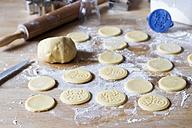 Preparing shortbread - YFF00598