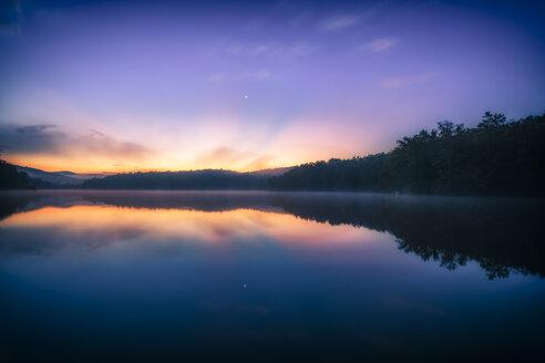 USA, North Carolina, Blue Ridge Mountains, Price Lake at twilight - SMAF00634