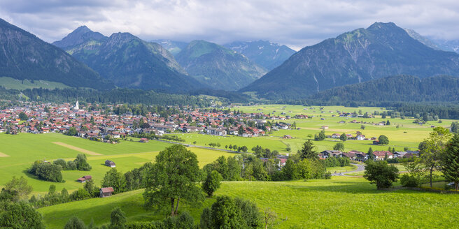 Germany, view to Oberstdorf with Allgaeu Alps in the background - WGF01022