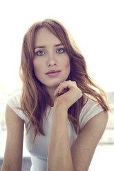 Portrait of redheaded woman - SRYF00156