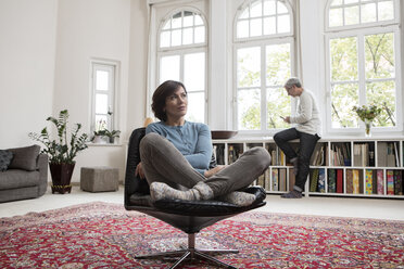 Mature couple at home - RBF05346