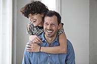 Portrait of happy couple - RBF05434