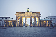 Germany, Berlin, Brandenburg Gate, Place of March 18 at Christmas time - ASCF00675