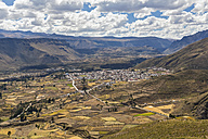 Peru, Andes, Chivay - FOF08642