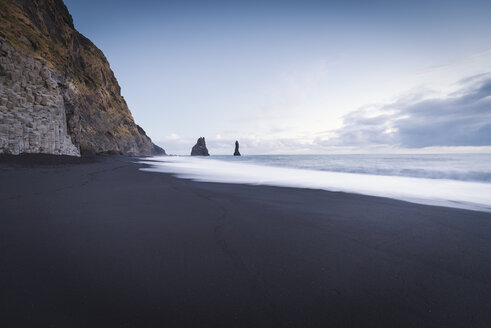 Iceland, South Iceland, Vik Rock on Reynisfjara beach - EPF00241