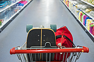 Shopping cart with skateboard and bag - SIPF01280