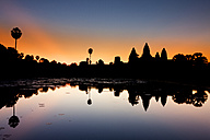 Cambodia, Siem Riep, silhouette of Angkor Wat at twilight - DSGF01405