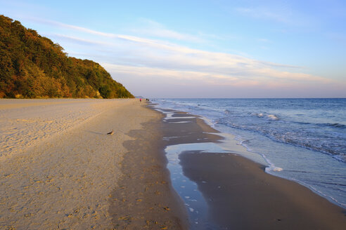 Germany, Usedom, Bansin, beach at sunset - SIEF07260