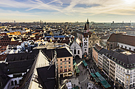 Germany, Munich, view to Viktualienmarkt, old town hall and Holy Spirit Church from above - THA01883