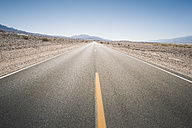 USA, California, Death Valley, deserted highway - EPF00263