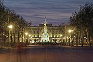 UK, London, Buckingham Palace at dusk - GFF00934
