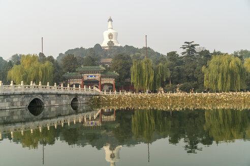 China, Beijing, Beihai Park, view to White Pagoda - PCF00316