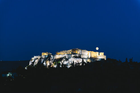 Greece, Athens, illuminated Acropolis in a moonlit night - GEMF01450
