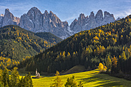 Italy, South Tyrol, Funes Valley, Odle group in autumn - LOMF00492