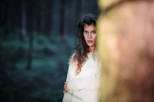 Portrait of young woman in the woods - WVF00821