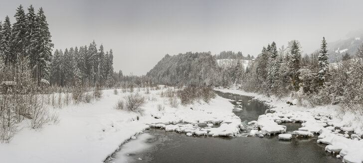 Germany, Bavaria, Iller near Oberstdorf in winter - WGF01047