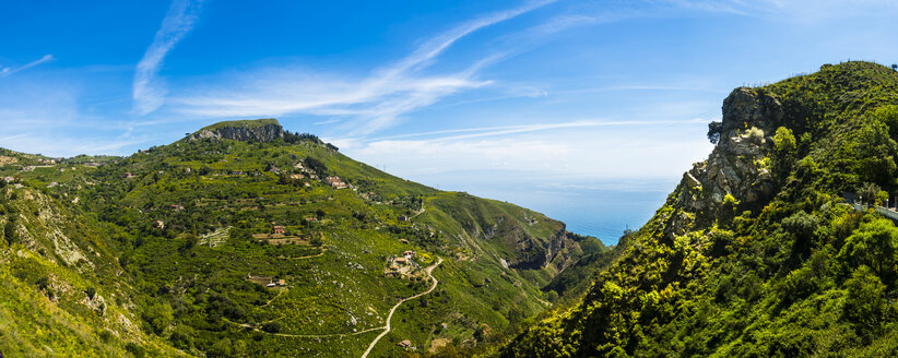 Italy, Sicily, Taormina, view above the mountains - AMF05221
