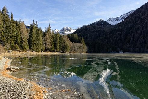 Italy, Alto Adige, Antholz Valley, frozen lake - LBF01543