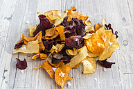 Vegetable chips with pyramide salt - SARF03152
