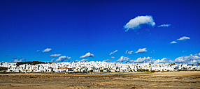 Spain, Conil de la Frontera, view to the city - KIJF01167