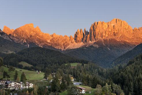 Italy, South Tyrol, Rosengarten, Alpenglow - EGBF00225
