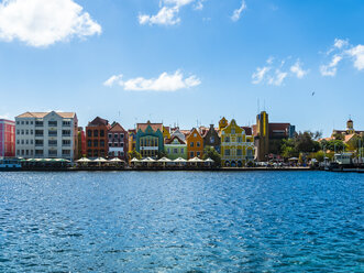 Curacao, Willemstad, Punda, colorful houses at waterfront promenade - AMF05238