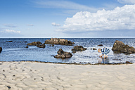 Boy searching jellyfish at the beach - OJF00180