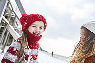 Sisters having fun in winter - FSF00757