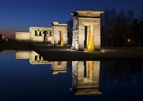 Spain, Madrid, Temple of Debod with water reflection at night - DHCF00062