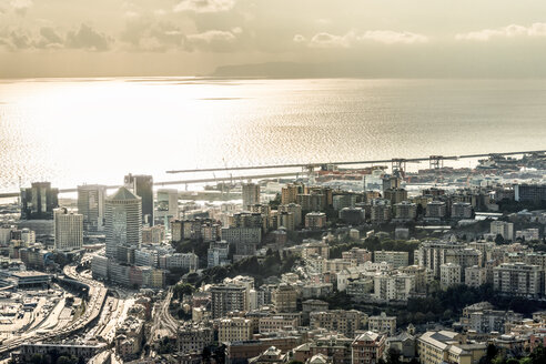 Italy, Genoa, cityscape with Ligurian Sea - CSTF01216